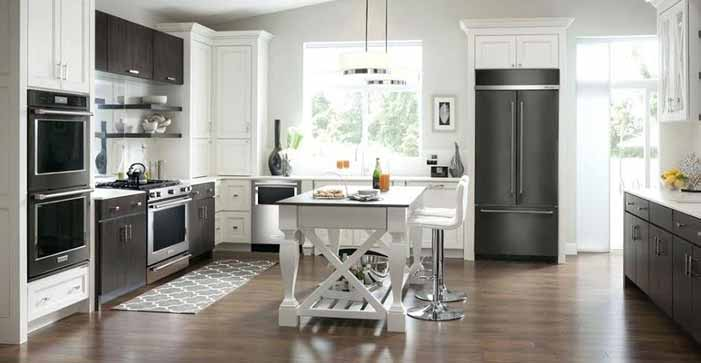 How to Mix Stainless Steel and Black Appliances in Your Kitchen